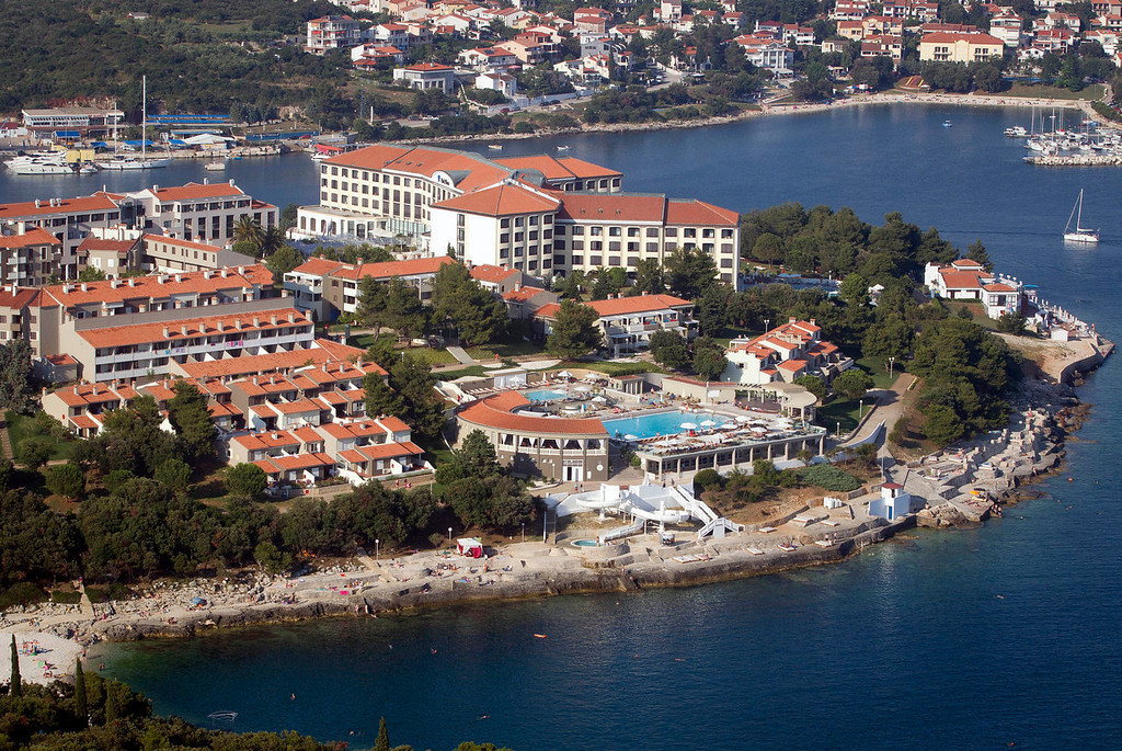 . A tourist resort in Pula, northern Adriatic is seen from the air. On Monday July 1, 2013, Croatia will become the 28th EU member, the bloc\'s first addition since Bulgaria and Romania joined in 2007. Croatia\'s membership marks a historic turning point for the small country, which went through carnage after declaring independence from the former Yugoslavia in 1991. (AP Photo/Darko Bandic)