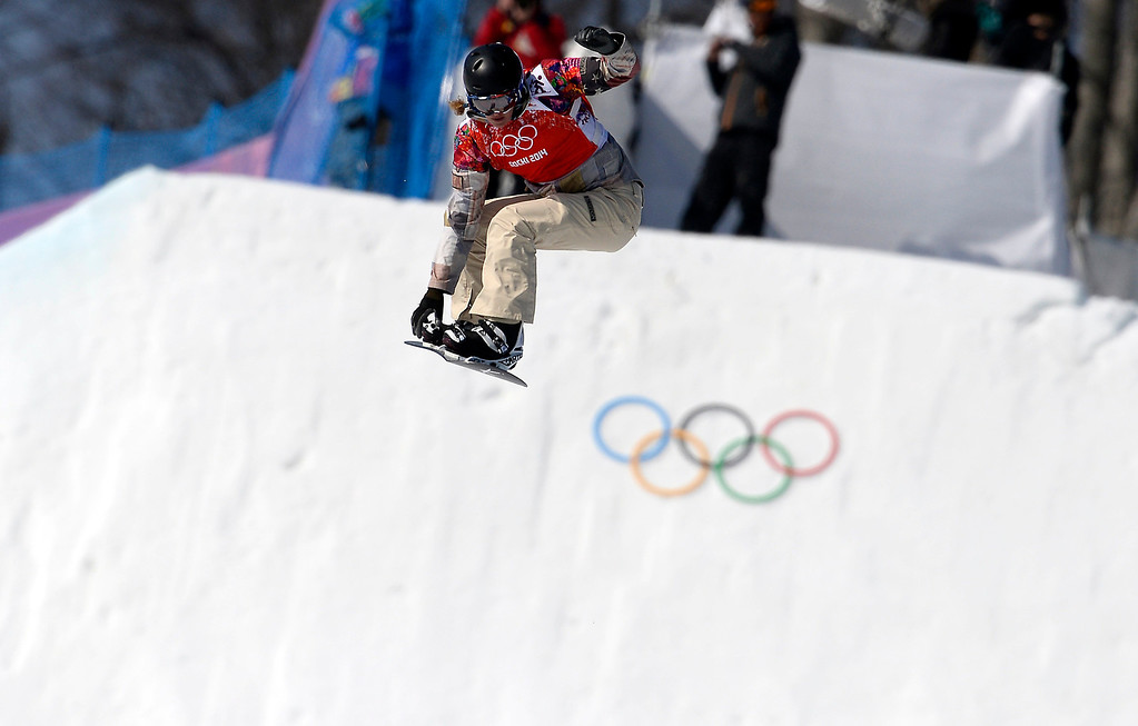 . US Lindsey Jacobellis competes in the Women\'s Snowboard Cross Final at the Rosa Khutor Extreme Park during the Sochi Winter Olympics on February 16, 2014.       FRANCK FIFE/AFP/Getty Images