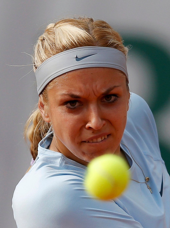 . Sabine Lisicki of Germany eyes the ball during her women\'s singles match against Sofia Arvidsson of Sweden at the French Open tennis tournament at the Roland Garros stadium in Paris May 26, 2013. REUTERS/Gonzalo Fuentes