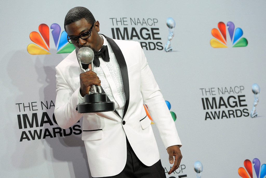 ". Lance Gross poses backstage with the award for outstanding supporting actor in a comedy series for ""Tyler Perry\'s House of Payne\""  at the 44th Annual NAACP Image Awards at the Shrine Auditorium in Los Angeles on Friday, Feb. 1, 2013. (Photo by Chris Pizzello/Invision/AP)"