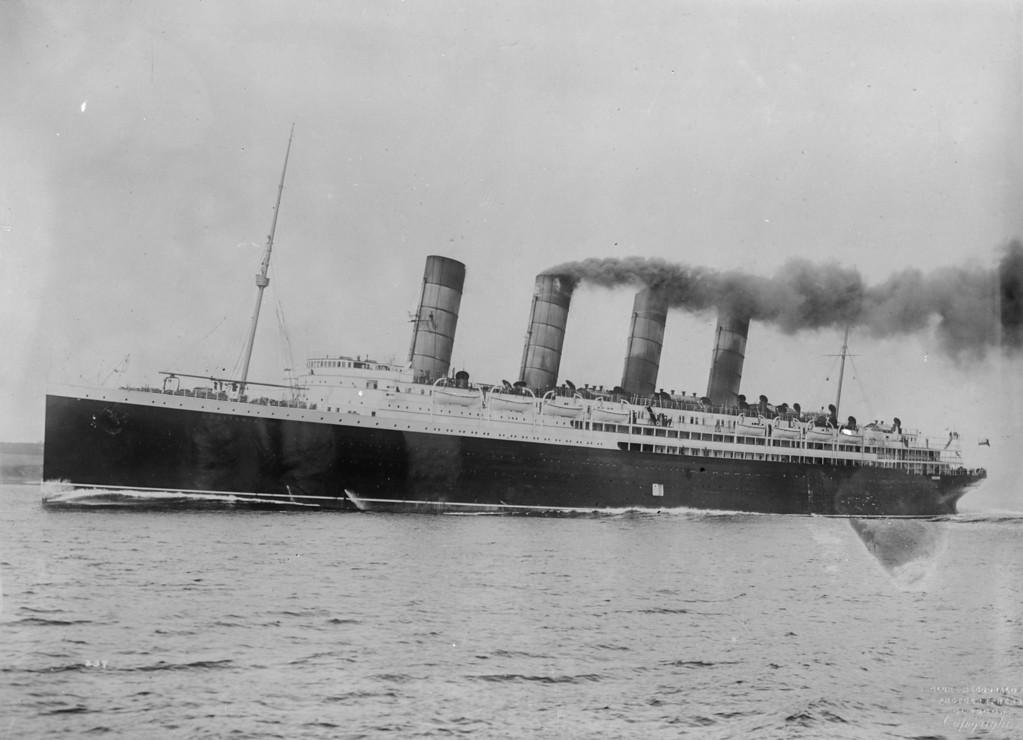 . circa 1914:  The British steamship, \'Lusitania\' .  (Photo by Topical Press Agency/Getty Images)
