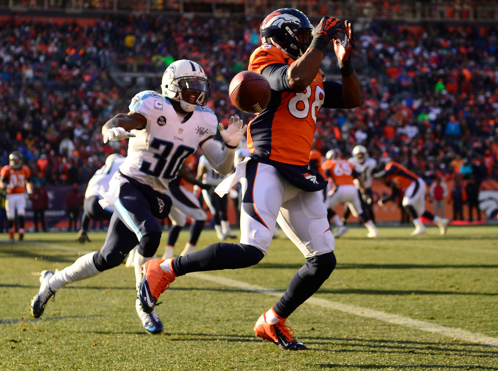 . Denver Broncos wide receiver Demaryius Thomas (88) misses a pass in the first quarter. (Photo by AAron Ontiveroz/The Denver Post)