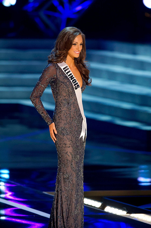 . Miss Illinois USA 2013, Stacie Juris, competes in her evening gown during the 2013 MISS USA Competition Preliminary Show at PH Live in Las Vegas, Nevada June 12, 2013.  She will compete for the title of Miss USA 2013 and the coveted Miss USA Diamond Nexus Crown LIVE on NBC starting at 9:00 PM ET on June 16th, 2013 from PH Live.  Picture taken June 12, 2013.  REUTERS/Darren Decker/Miss Universe Organization L.P., LLLP/Handout via Reuters