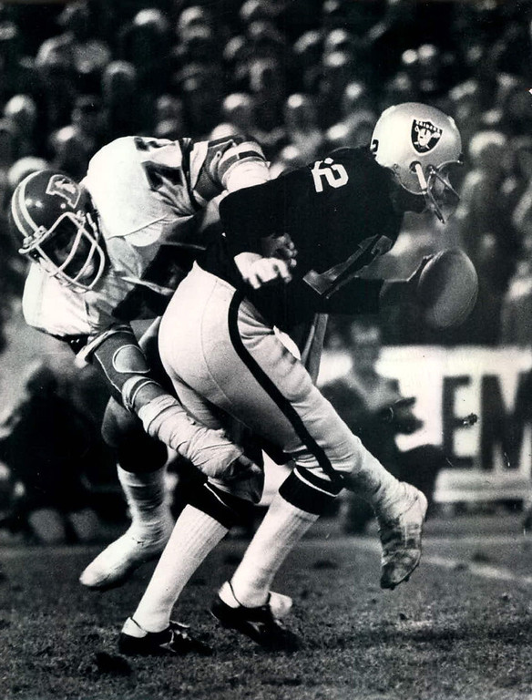 . Early in the fourth quarter, Raiders quarterback Ken Stabler threw a 7-yard touchdown pass to tight end Dave Casper, cutting the Broncos\' lead to 14-10. However, linebacker Bob Swenson intercepted Stabler on Oakland\'s next drive, and three plays later, Moses caught a 12-yard touchdown pass. With 3:16 left in the game, Casper scored on a 17-yard touchdown pass to make it 20-17, but the Broncos\' held the ball for the rest of the game and ran out the clock.   Kenny Stabler of the Oakland Raiders is being tackled by a Bronco defensive player.  Denver Post