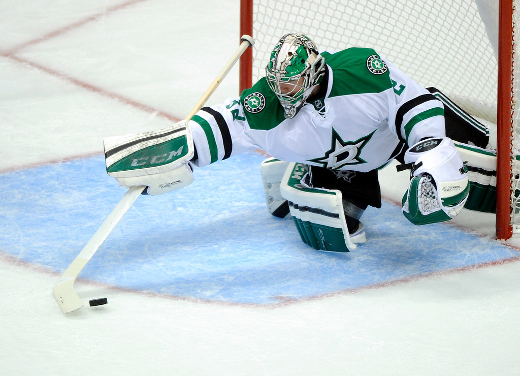 . Dallas goaltender Kari Lehtonen grabbed a loose puck in the second period.   Photo By Karl Gehring/The Denver Post