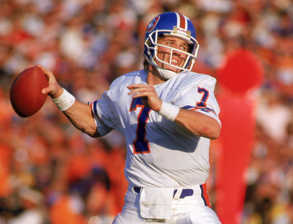. Quarterback John Elway #7 of the Denver Broncos throws a pass during Super Bowl XXI against the New York Giants at the Rose Bowl on January 25, 1987 in Pasadena, California.  The Giants won 39-20.  (Photo by George Rose/Getty Images)