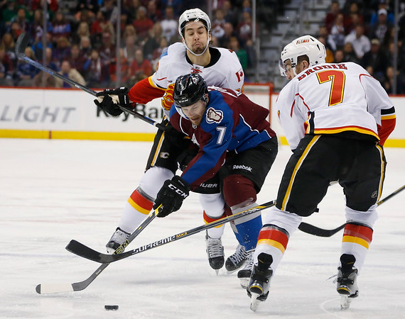 PHOTOS: Colorado Avalanche defeated the Calgary Flames, 3-2