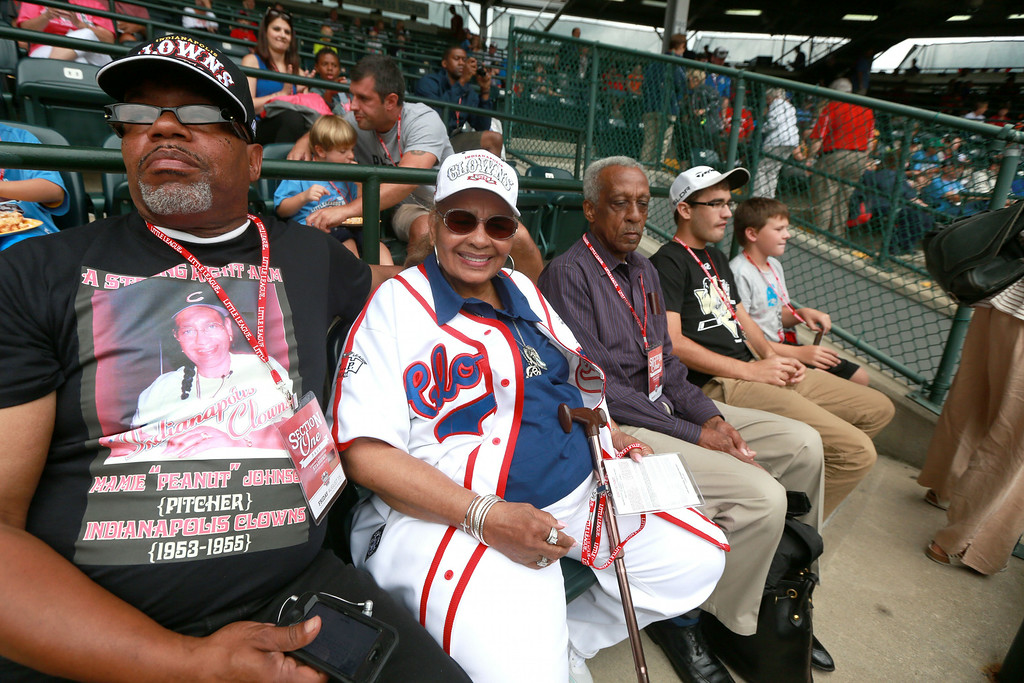 ". Mamie ""Peanut\"" Johnson, the first woman to pitch in the Negro League, watches Taney Dragons\' Pennsylvania pitcher Mo\'ne Davis pitch during a baseball game against Tennessee in United States pool play at the Little League World Series tournament in South Williamsport, Pa., Friday, Aug. 15, 2014. Pennsylvania won 4-0, with Davis pitching a complete game two-hit shutout. (AP Photo/The Philadelphia Inquire, David Swanson)"