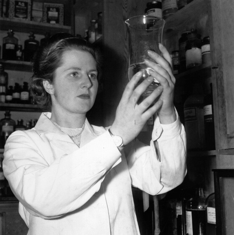 . When not engaged in her political work in Dartford (Kent) where she is standing as Tory candidate, Miss Margaret Roberts, youngest candidate for the general election, is busy with her work as a research chemist.  Margaret Roberts went on to become Prime Minister Margaret Thatcher.  (Photo by Chris Ware/Keystone Features/Getty Images)