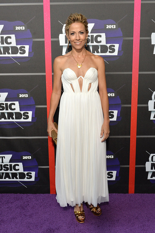 . NASHVILLE, TN - JUNE 05:  Sheryl Crow attends the 2013 CMT Music awards at the Bridgestone Arena on June 5, 2013 in Nashville, Tennessee.  (Photo by Rick Diamond/Getty Images)