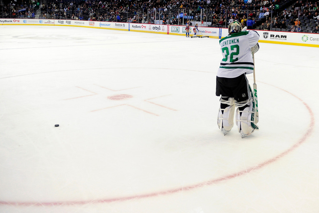 . DENVER, CO - DECEMBER 16: Dallas Stars goalie Kari Lehtonen (32) rests on his stick while trailing 5-2 to the Colorado Avalanche during the third period of the Avs\' 6-2 win. The Colorado Avalanche hosted the Dallas stars at the Pepsi Center. (Photo by AAron Ontiveroz/The Denver Post)