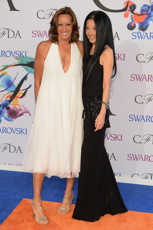 . Designers Donna Karan (L) and Vera Wang attend the 2014 CFDA fashion awards at Alice Tully Hall, Lincoln Center on June 2, 2014 in New York City.  (Photo by Dimitrios Kambouris/Getty Images)