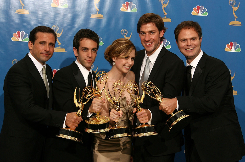 ". Actor Steve Carell, actor B.J. Novak, actress Jenna Fischer, actor John Krasinski and actor Rainn Wilson poses in the press room after winning ""Outstanding Comedy Series\"" for \""The Office \"" at the 58th Annual Primetime Emmy Awards at the Shrine Auditorium on August 27, 2006 in Los Angeles, California.  (Photo by Kevin Winter/Getty Images)"