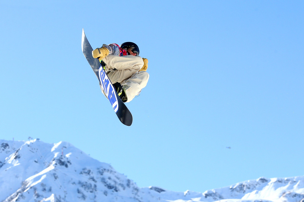 . Sage Kotsenburg of the United States competes in the Men\'s Slopestyle Qualification during the Sochi 2014 Winter Olympics at Rosa Khutor Extreme Park on February 6, 2014 in Sochi, Russia.  (Photo by Cameron Spencer/Getty Images)