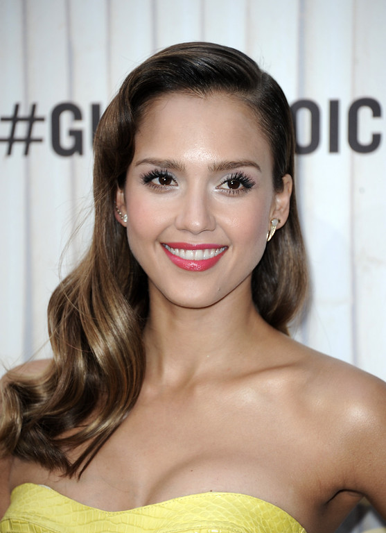 . Jessica Alba arrives at Spike TV\'s Guys Choice Awards at Sony Pictures Studios on Saturday, June 8, 2013, in Culver City, Calif. (Photo by Richard Shotwell/Invision/AP)