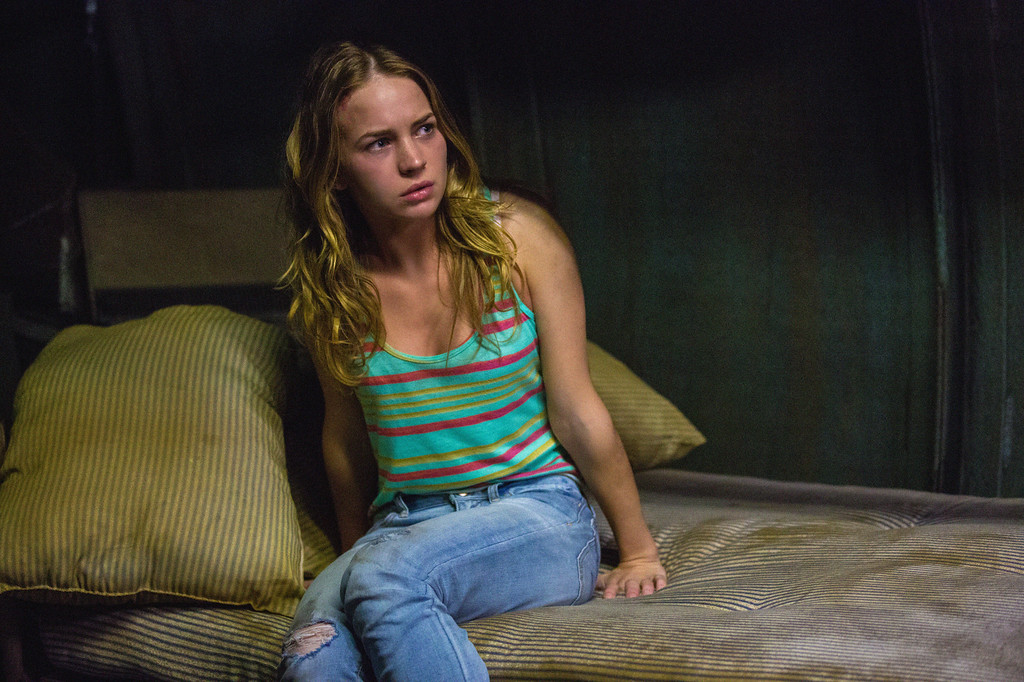 . Pilot - Angie (Britt Robertson) and the residents of Chester\'s Mill find themselves suddenly and inexplicably sealed off from the rest of the world by a massive transparent dome, on UNDER THE DOME premiering Monday, June 24 (10:00-11:00 PM, ET/PT) on the CBS Television Network.   UNDER THE DOME is based on Stephen King\'s bestselling novel. Photo: Michael Tackett/©2013 CBS Broadcasting Inc.. All Rights Reserved.