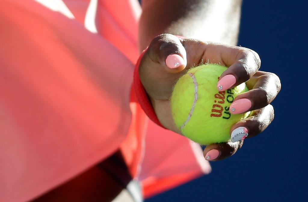 . Serena Williams prepares to serve against Victoria Azarenka, of Belarus, during the women\'s singles final of the 2013 U.S. Open tennis tournament, Sunday, Sept. 8, 2013, in New York. (AP Photo/Darron Cummings)