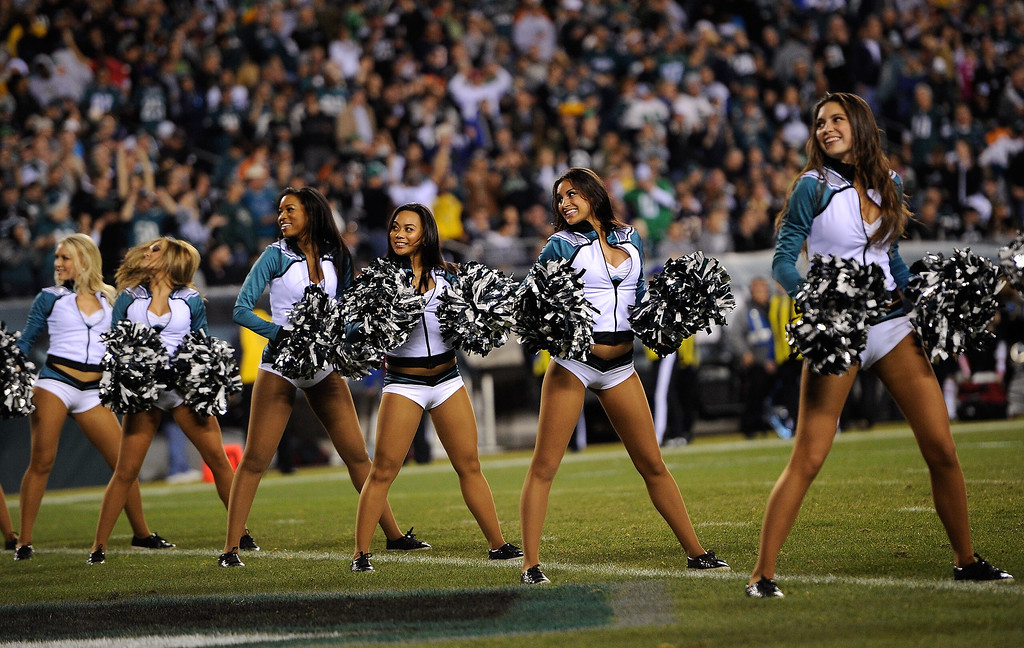 . The Philadelphia Eagles Cheerleaders peform during the first half against the Chicago Bears at Lincoln Financial Field on December 22, 2013 in Philadelphia, Pennsylvania.  (Photo by Maddie Meyer/Getty Images)