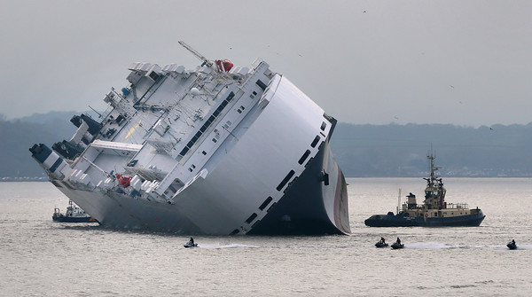 PHOTOS: UK Cargo Ship Hoegh Osaka Deliberately Grounded