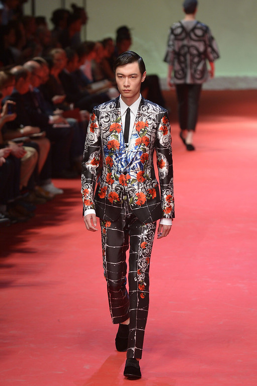 . Models present creations for Dolce Gabbana Menswear Spring-Summer 2014 collection on June 21, 2014 during the Men\'s fashion week in Milan. (TIZIANA FABI/AFP/Getty Images)