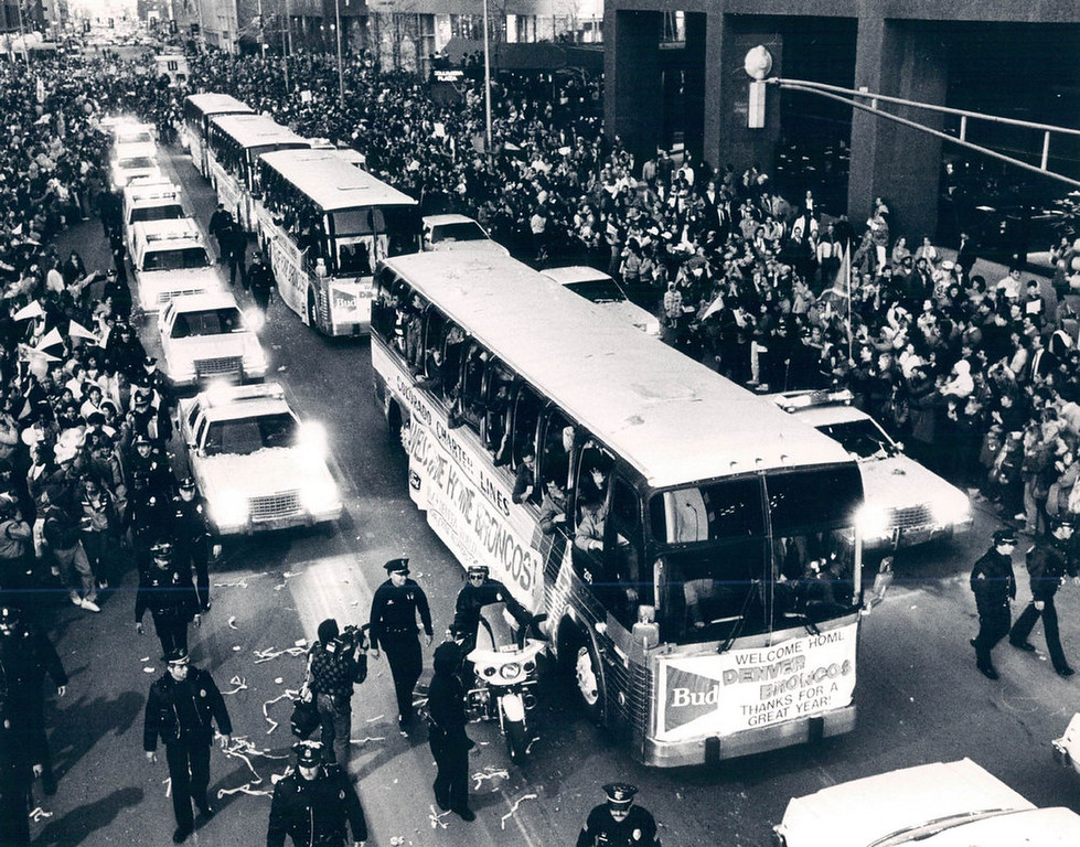 . Broncos parade at Broadway and Cleveland. Super Bowl. 1987. (Photo by Susan Biddle/The Denver Post)