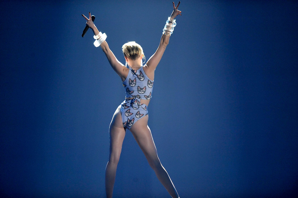 . Miley Cyrus performs at the American Music Awards at the Nokia Theatre L.A. Live on Sunday, Nov. 24, 2013, in Los Angeles. (Photo by John Shearer/Invision/AP)