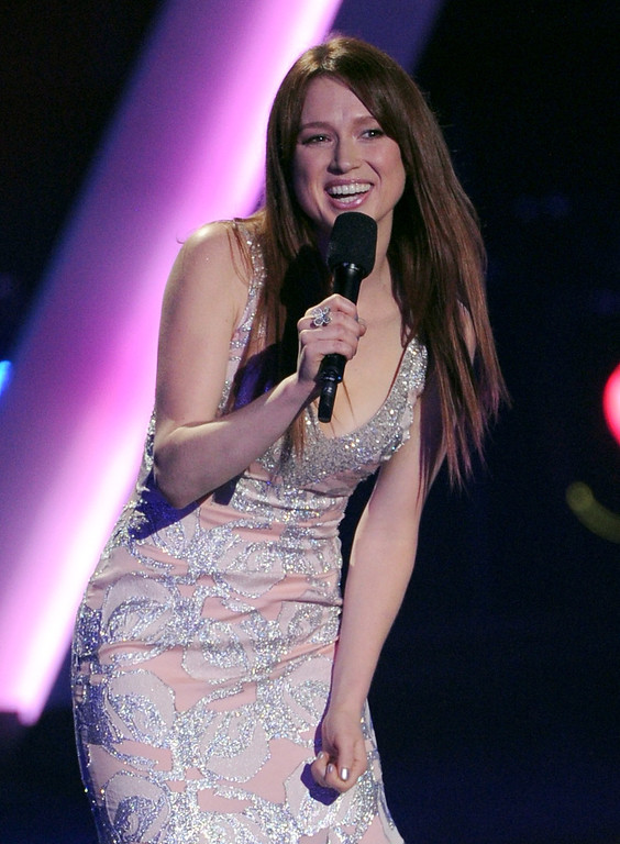 """. LOS ANGELES, CA - DECEMBER 16:  Actress Ellie Kemper speaks onstage during \""""VH1 Divas\"""" 2012 at The Shrine Auditorium on December 16, 2012 in Los Angeles, California.  (Photo by Kevin Winter/Getty Images)"""