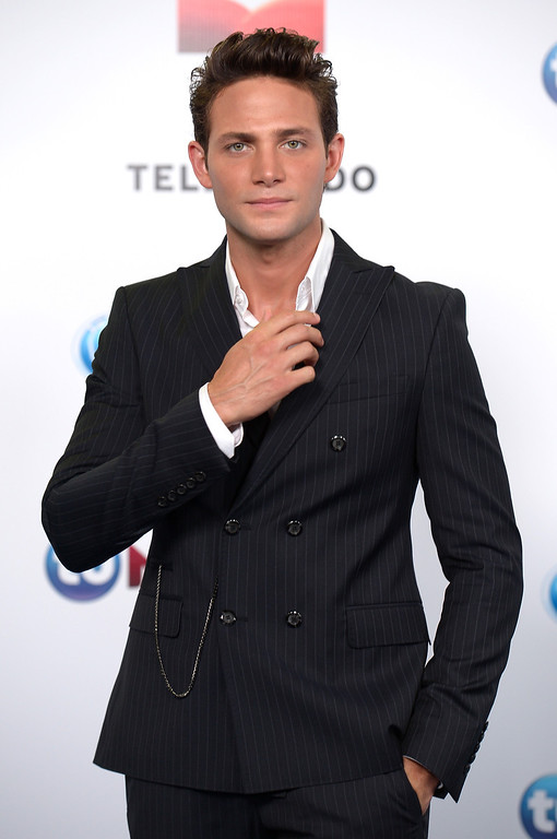 . MIAMI, FL - AUGUST 15:  Gabriel Coronel arrives for Telemundo\'s Premios Tu Mundo Awards at American Airlines Arena on August 15, 2013 in Miami, Florida.  (Photo by Gustavo Caballero/Getty Images)