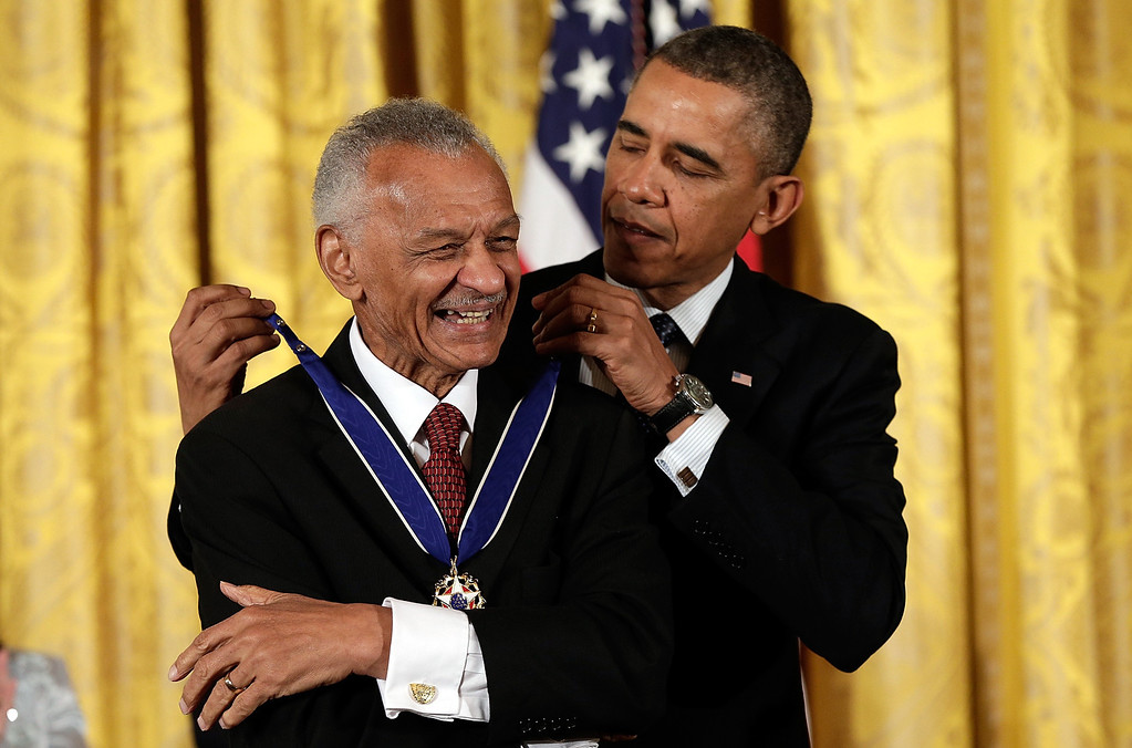. U.S. President Barack Obama awards the Presidential Medal of Freedom to C.T. Vivian in the East Room at the White House on November 20, 2013 in Washington, DC.  (Photo by Win McNamee/Getty Images)