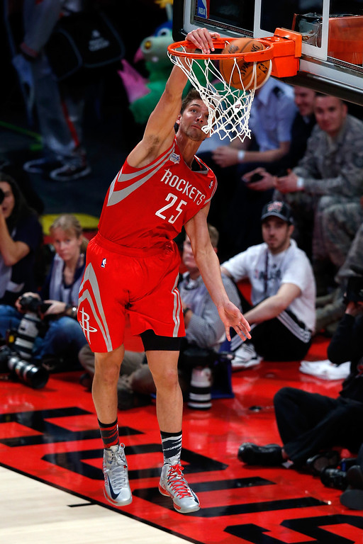 . HOUSTON, TX - FEBRUARY 15:  Chandler Parsons #25 of the Houston Rockets and Team Shaq dunks the ball in the BBVA Rising Stars Challenge 2013 part of the 2013 NBA All-Star Weekend at the Toyota Center on February 15, 2013 in Houston, Texas.  (Photo by Scott Halleran/Getty Images)