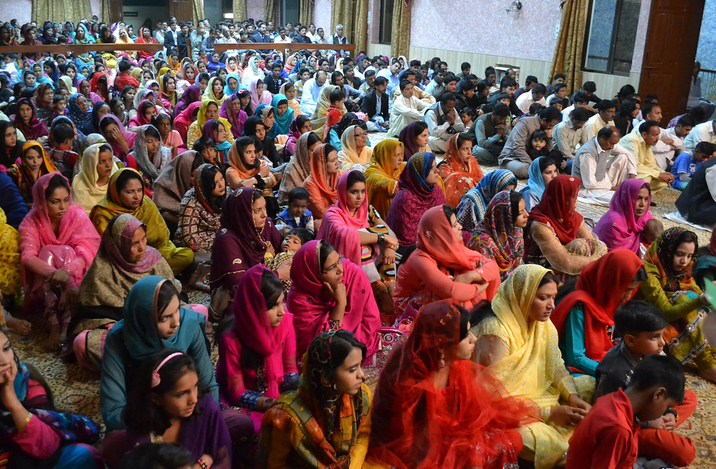 ". Minority Pakistani Christians attend Easter mass at a church in Quetta on April 20, 2014. Pope Francis called on Catholics to bring the message of God ""to the very ends of the earth\"" during an Easter vigil mass in St Peter\'s Basilica.   BANARAS KHAN/AFP/Getty Images"