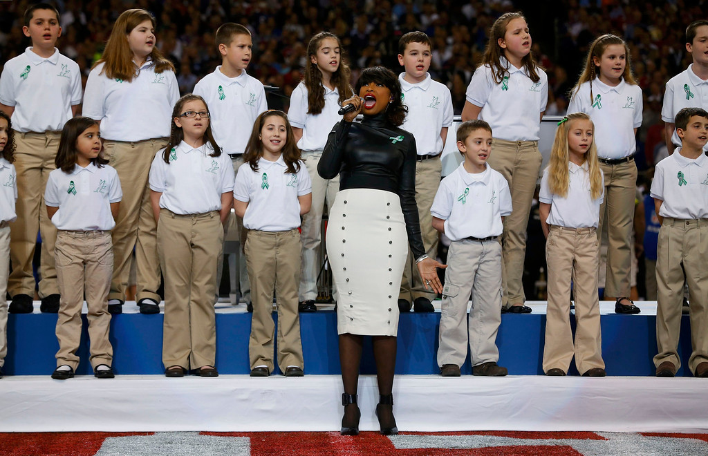 ". Singer Jennifer Hudson performs ""America the Beautiful\"" with The Sandy Hook Elementary School Choir, from Newtown, Connecticut, prior to the NFL Super Bowl XLVII football game between the San Francisco 49ers and Baltimore Ravens in New Orleans, Louisiana, February 3, 2013.    REUTERS/Jeff Haynes"