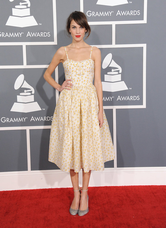 . Alexa Chung arrives at the 55th annual Grammy Awards on Sunday, Feb. 10, 2013, in Los Angeles.  (Photo by Jordan Strauss/Invision/AP)