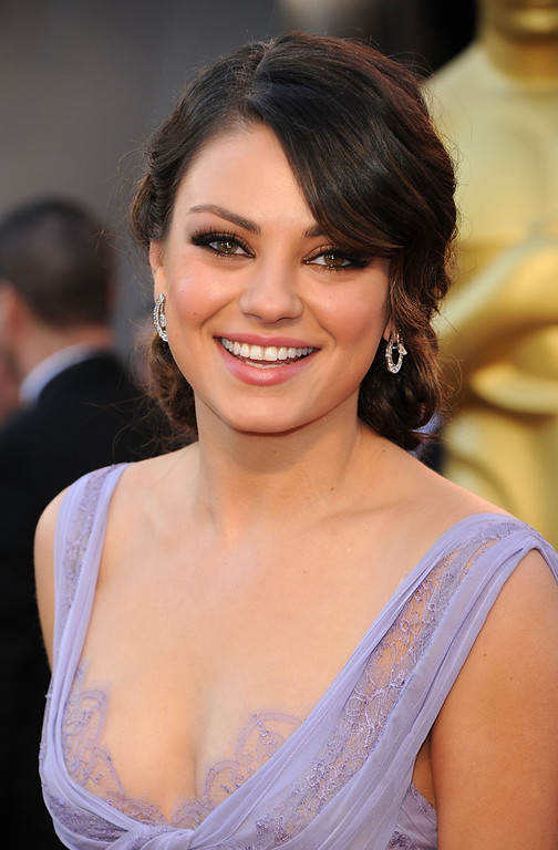. Actress Mila Kunis arrives at the 83rd Annual Academy Awards held at the Kodak Theatre on February 27, 2011 in Hollywood, California.  (Photo by Jason Merritt/Getty Images)