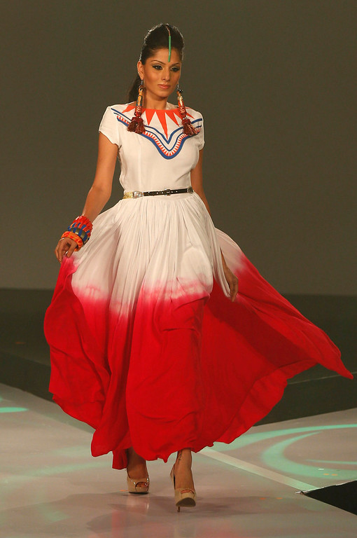 . In this Wednesday, April 3, 2013 photo, a Sri Lankan model presents a creation by Kasuni Ratnasekera during Colombo Fashion Week in Colombo, Sri Lanka. (AP Photo/Eranga Jayawardena)