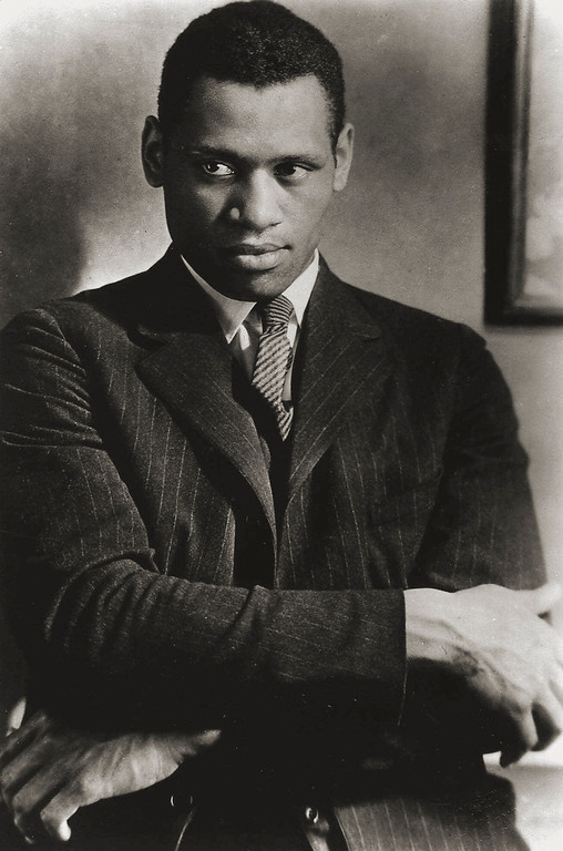 """. Actor Paul Robeson, photographed at Madame St. Georges studio in London in 1925, was performing in Eugene O\'Neill\'s \""""The Emperor Jones\"""" in London\'s Ambasssador Theater that year. Robeson\'s career as an actor, singer and political activist was the subject of \""""Paul Robeson: Here I Stand,\"""" Feb. 24, 1999 on WNET\'s American Masters series. (AP Photo/Courtesy Paul Robeson Jr.)"""