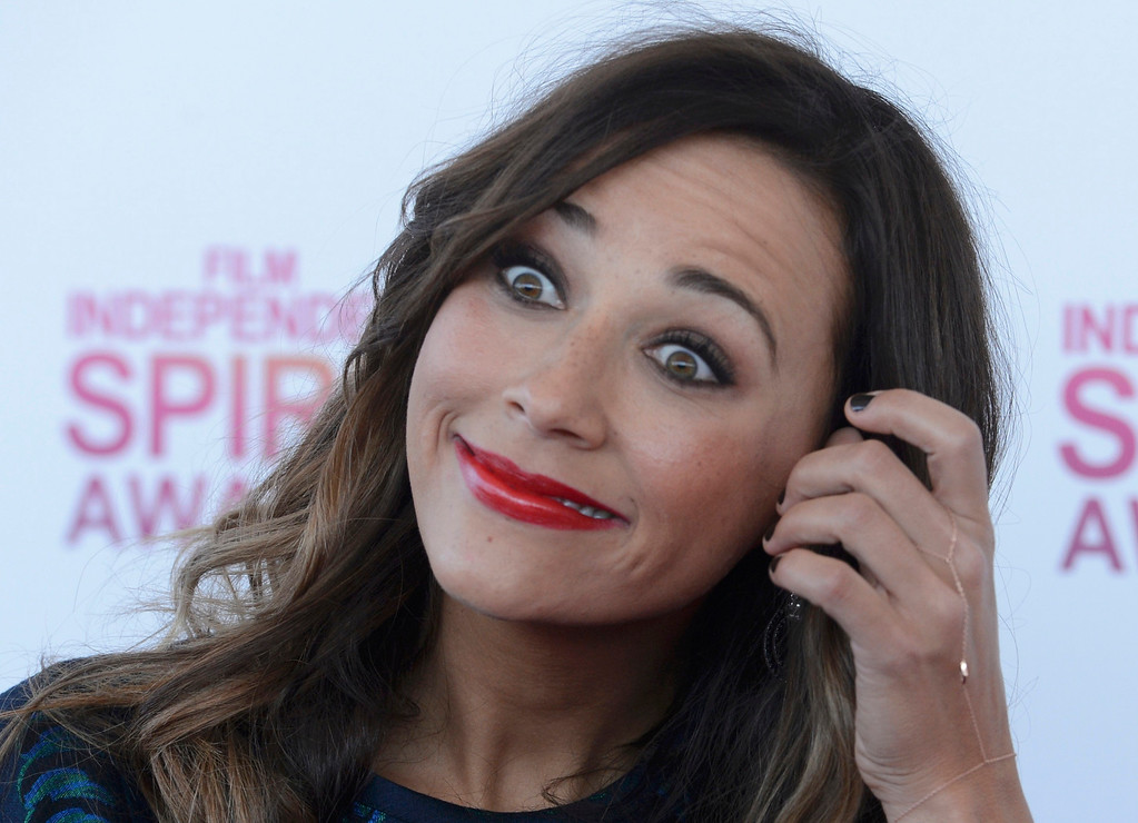 . Actress Rashida Jones arrives at the 2013 Film Independent Spirit Awards in Santa Monica, California February 23, 2013.     REUTERS/Phil McCarten