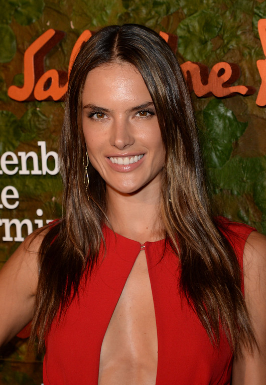 . BEVERLY HILLS, CA - OCTOBER 17:  Model Alessandra Ambrosio arrives at the Wallis Annenberg Center for the Performing Arts Inaugural Gala presented by Salvatore Ferragamo at the Wallis Annenberg Center for the Performing Arts on October 17, 2013 in Beverly Hills, California.  (Photo by Jason Merritt/Getty Images for Wallis Annenberg Center for the Performing Arts)