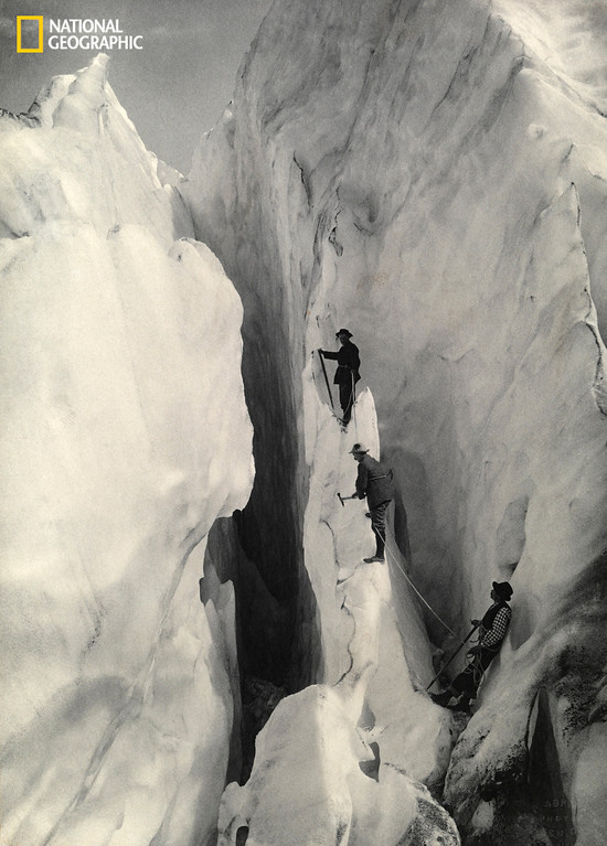 . 600297 G.P. ABRAHAM / National Geographic Climbers Cross a Crevasse, Bernese Alps, Switzerland, 1909 Christie�s Auction: TIMELESS: NATIONAL GEOGRAPHIC AS CELEBRATED BY TASCHEN BOOKS www.christies.com/natgeo