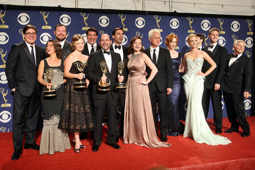 ". The cast and crew of ""Mad Men\"" pose with their Emmy for Oustanding Drama Series in the press room at the 61st Primetime Emmy Awards held at the Nokia Theatre on September 20, 2009 in Los Angeles, California.  (Photo by Jason Merritt/Getty Images)"