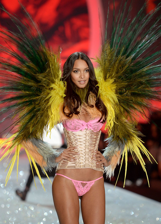 . Model Lais Ribeiro walks the runway at the 2013 Victoria\'s Secret Fashion Show at Lexington Avenue Armory on November 13, 2013 in New York City.  (Photo by Dimitrios Kambouris/Getty Images for Victoria\'s Secret)