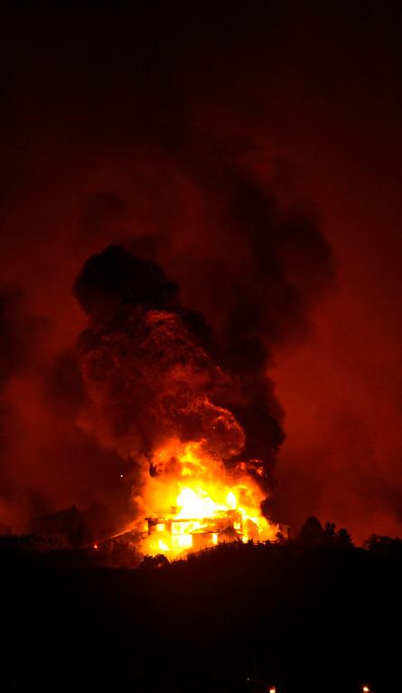 . The Waldo Canyon fire made a run into Colorado Springs Tuesday night, June 26, 2012. Karl Gehring/The Denver Post