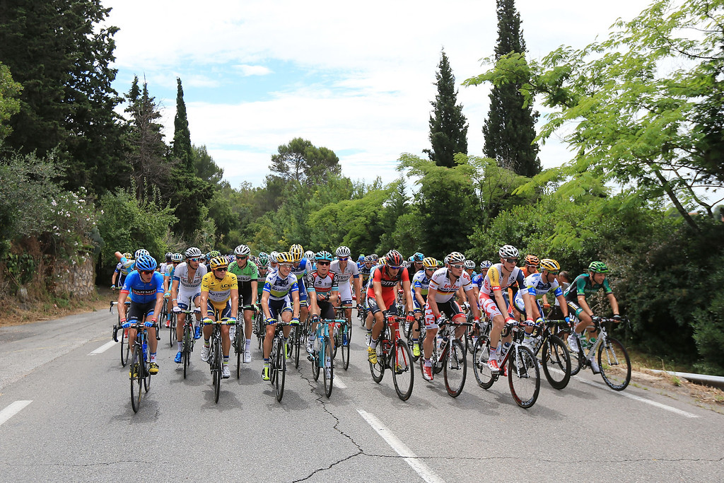 . The peloton in action during stage five of the 2013 Tour de France, a 228.5KM road stage from Cagnes-sur-mer to Marseille, on July 3, 2013 in Marseille, France.  (Photo by Doug Pensinger/Getty Images)