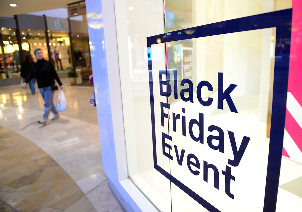 . Crowds were light at Park Meadows Mall in Centennial, November 29, 2013. With many stores opening on Thanksgiving crowds were lighter then normal for a Black Friday. (Photo by RJ Sangosti/The Denver Post)