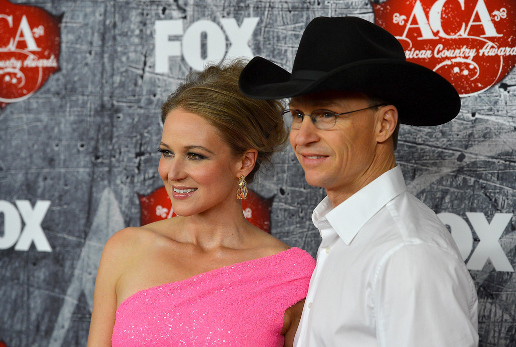 . LAS VEGAS, NV - DECEMBER 10: (L-R) Singer Jewel and rodeo cowboy Ty Murray arrive at the 2012 American Country Awards at the Mandalay Bay Events Center on December 10, 2012 in Las Vegas, Nevada.  (Photo by Frazer Harrison/Getty Images)