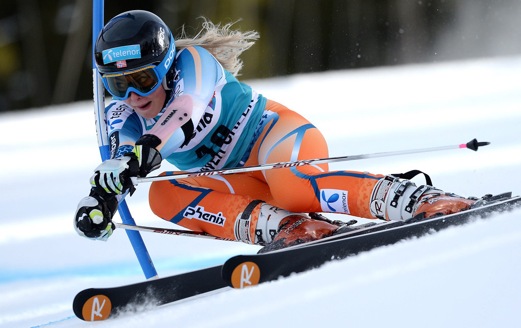 . Skier Ragnhild Mowinckel, of Norway,  takes a turn during the second run of the women\'s Giant Slalom race at the FIS World Cup Alpine Skiing in Beaver Creek, Colorado, USA, 01 December 2013.  EPA/JUSTIN LANE