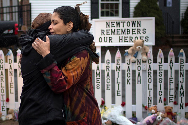 Photos: Connecticut struggles with Sandy Hook school shooting Aftermath