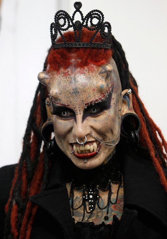 ". Mexican tattoo and body modification artist  Maria Jose Cristerna, also known as ""Mujer Vampiro\""  (Vampire Woman), poses for pictures during the International Tattoo Convention in Bogota June 4, 2011. REUTERS/John Vizcaino"