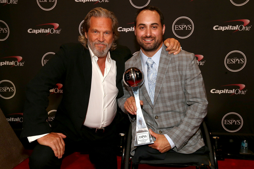 . LOS ANGELES, CA - JULY 16: (L-R) Actor Jeff Bridges presents the Pat Tillman award for service to Josh Sweeney at the ESPY Awards  attends The 2014 ESPYS at Nokia Theatre L.A. Live on July 16, 2014 in Los Angeles, California.  (Photo by Christopher Polk/Getty Images For ESPYS)