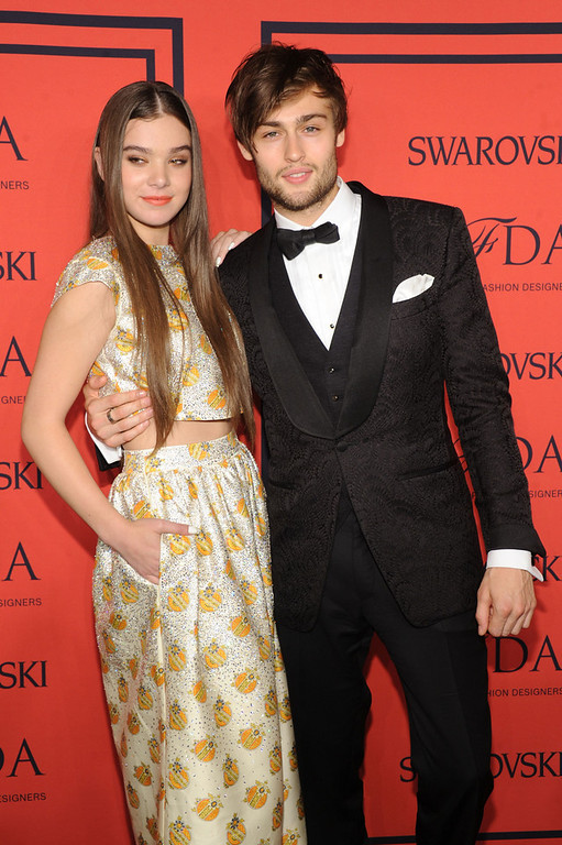 . Actress Hailee Steinfeld (L) and actor Douglas Booth attend 2013 CFDA Fashion Awards at Alice Tully Hall on June 3, 2013 in New York City.  (Photo by Jamie McCarthy/Getty Images)